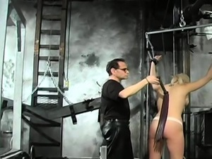 Cold-blooded bondage time for curvy chick with worthy rack
