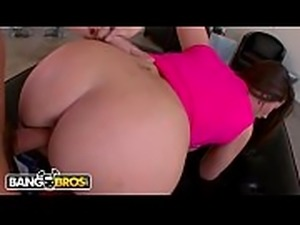 BANGBORS - English PAWG Paige Turnah Brings Her Big British Booty Over To Ass...