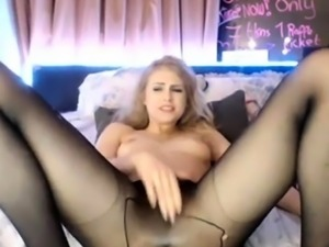 Cam girl squirts in black pantyhose
