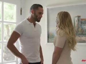 Bootyful auburn MILFie sexpot AJ Applegate turns massage into hot fuck