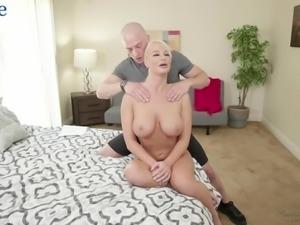 Wet bald pussy of bosomy auburn whore London River is fucked by bald stud
