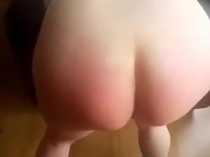 Un Amigo disiplinando a la puta de mi esposa