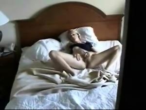 Hidden Voyeur Masturbation im Bett