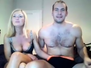 Amateur blonde with big boobs masturbates cam