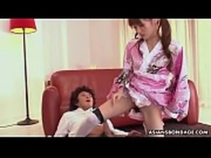 Japanese fetish lady, Mana Aoki satisfying a horny man, uncensored