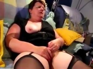 Mature Rubs and Cum's