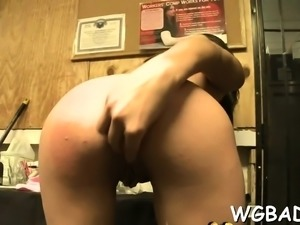 Sexy stripper is offering his lusty rod for lickings