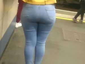 Big Booty Sista Tight Jeans - Sexy Curves & Thick Hips