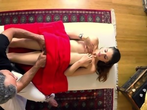 Teen gets pussy pounded by masseur