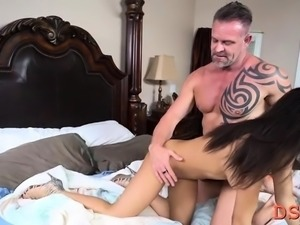 Foxy Nicole Bexley adores making out with mate