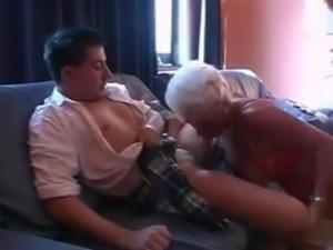 Mature allemande aux gros seins