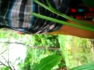 skandal kain pelikat kat kebun pisang